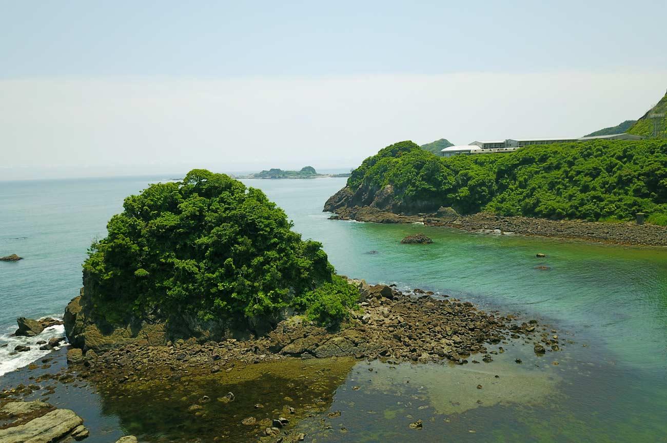 雀島をドローンで空撮