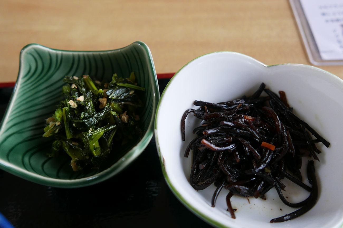 ヒジキの煮物と大根の葉の炒め物