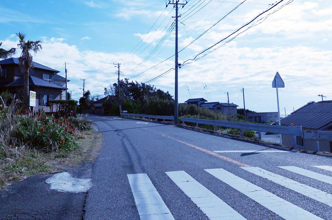 西川名港の駐車場
