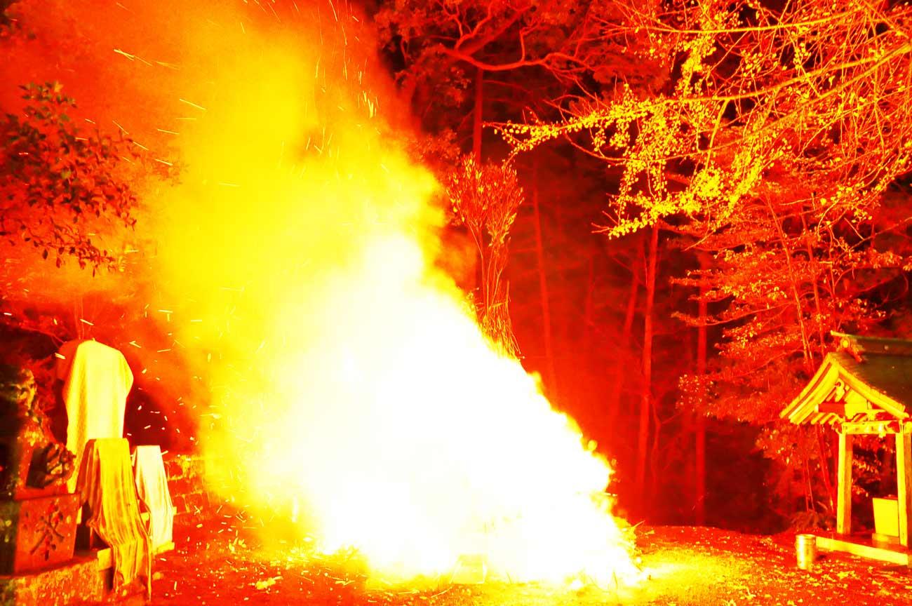 賀茂神社の大火祭