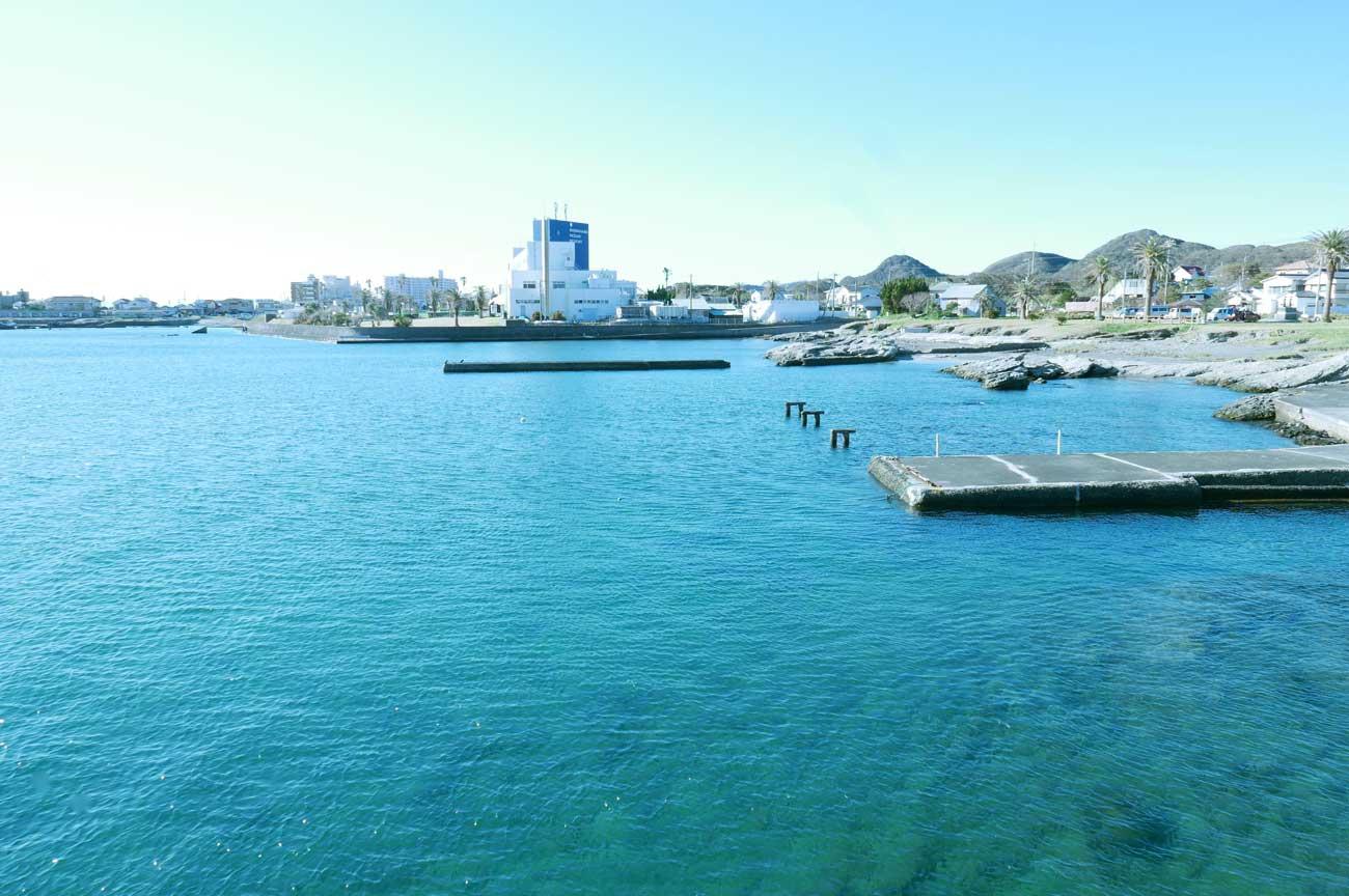 いこい広場前の海