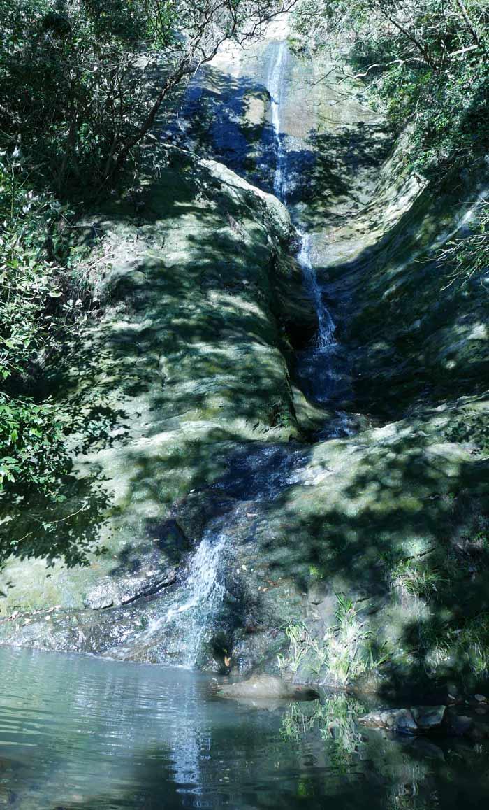涼源寺の滝