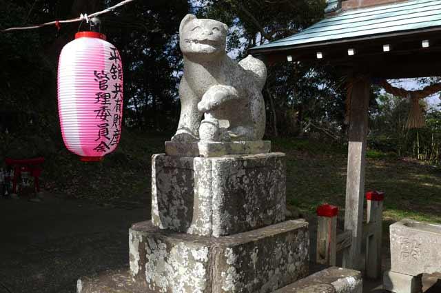 平舘稲荷神社の狛犬(右)