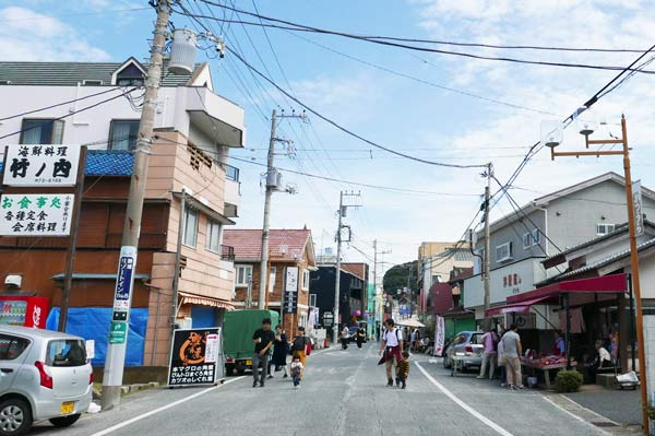 本仲町通りの入口