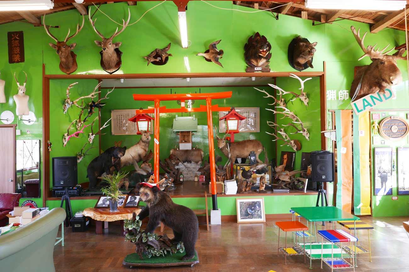 猟師工房の店内