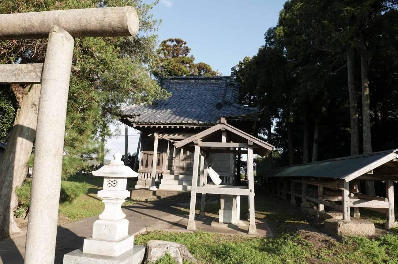 御嶽神社の境内