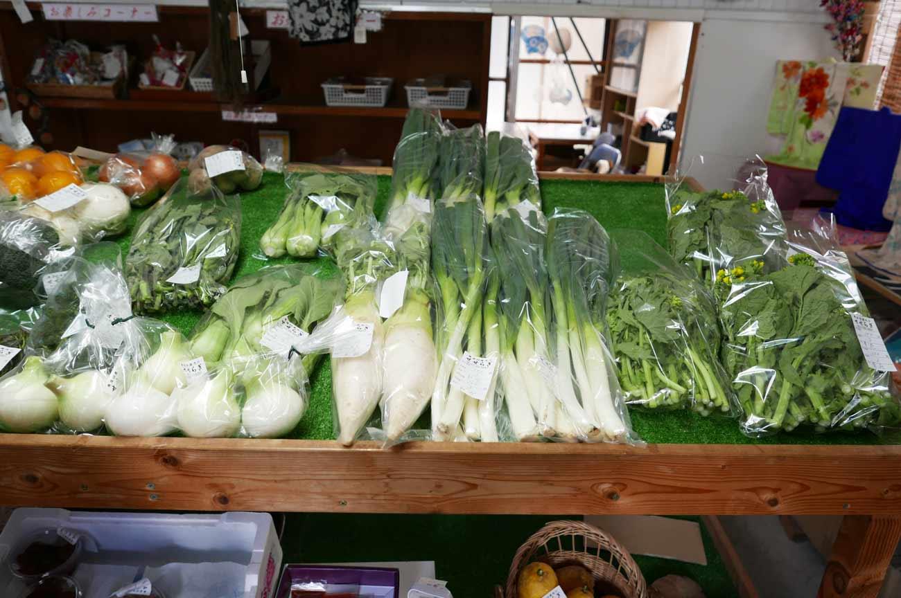 菜花、大根の販売コーナー