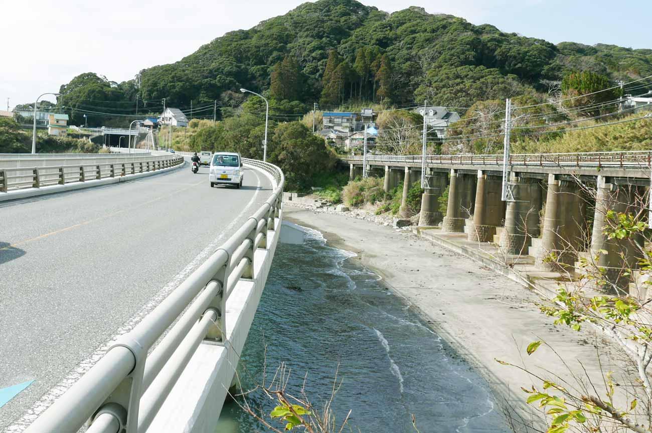 山生橋梁の全景画像
