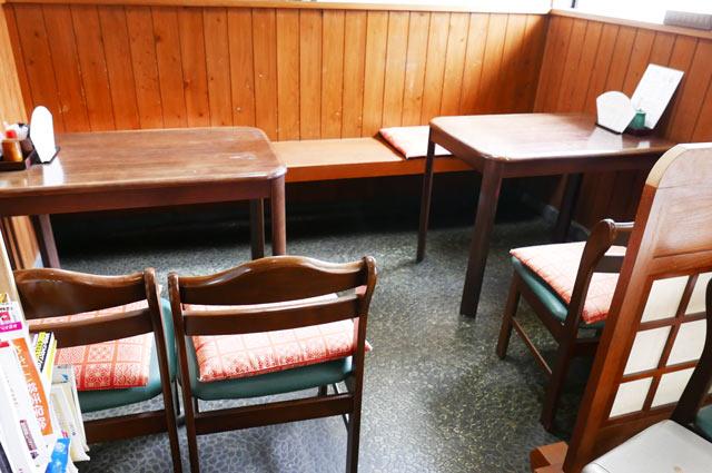 川京のテーブル席