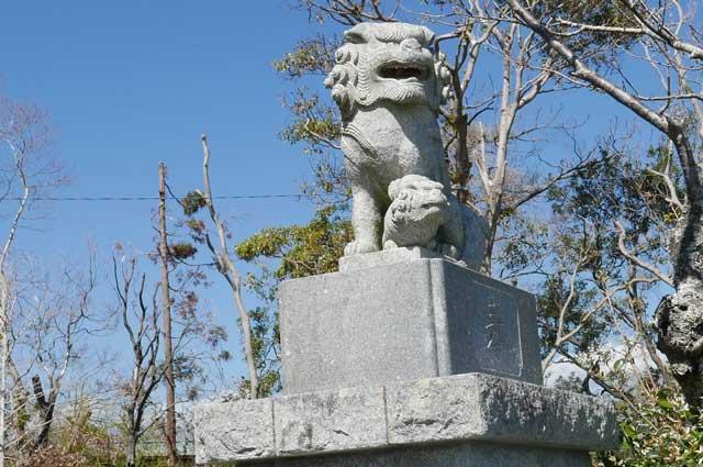 八雲神社の狛犬(右)