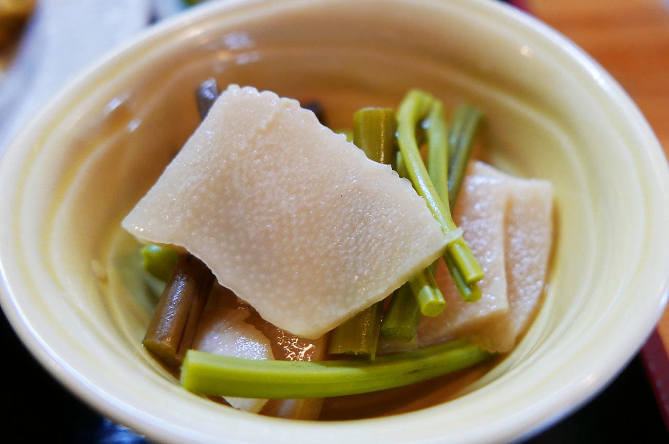 タケノコとワラビの煮物