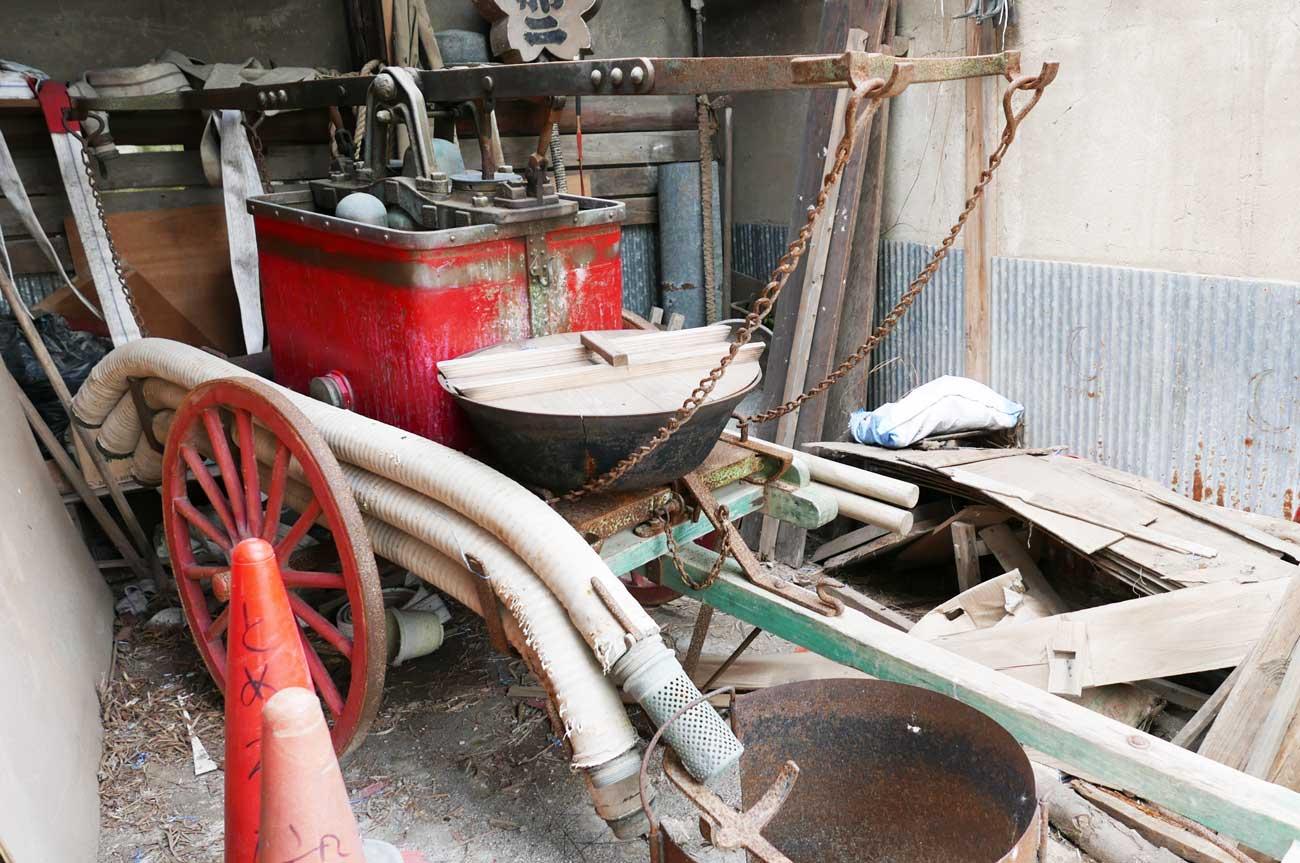 古い消防ポンプの画像