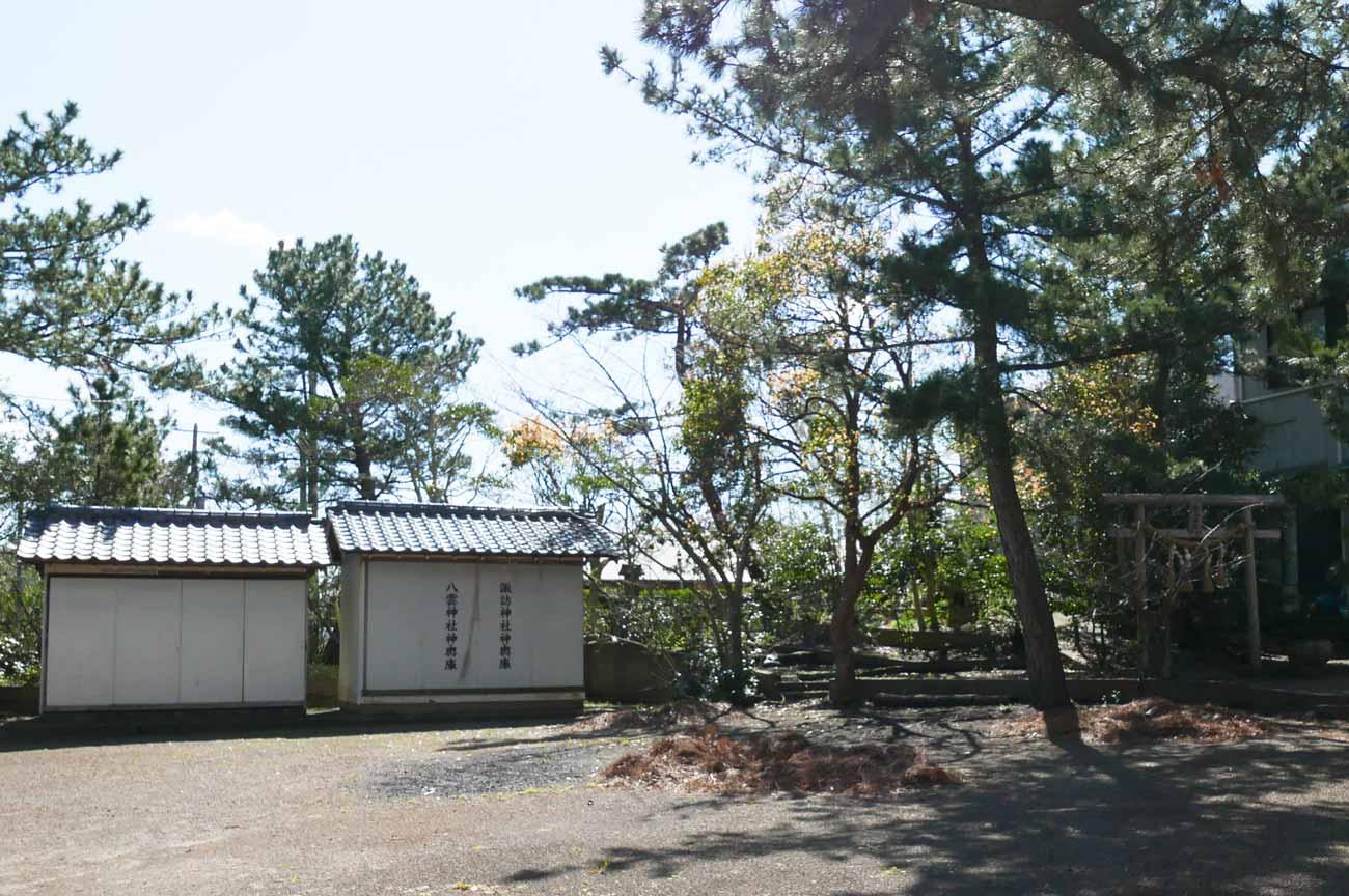 神輿小屋と屋台小屋