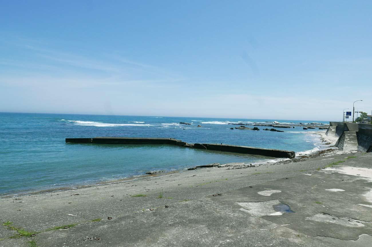 右側の防波堤のポイント