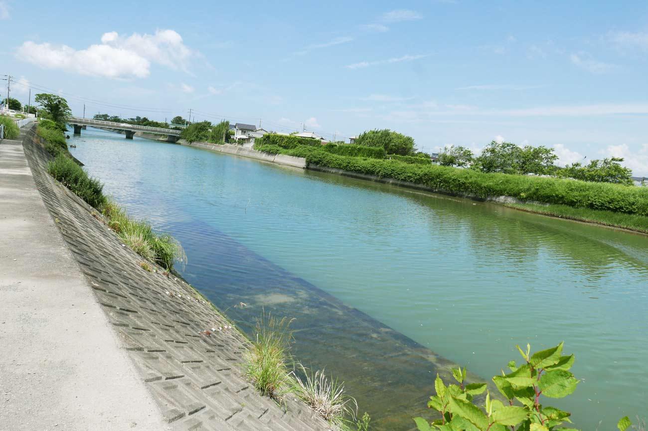 平久里川の平成橋付近