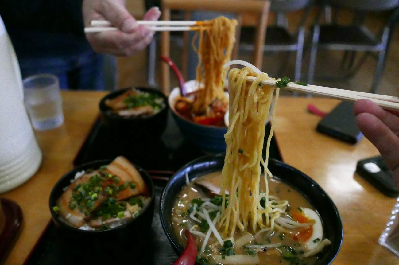 麺屋旨蔵の豚骨(醬油)ラーメン