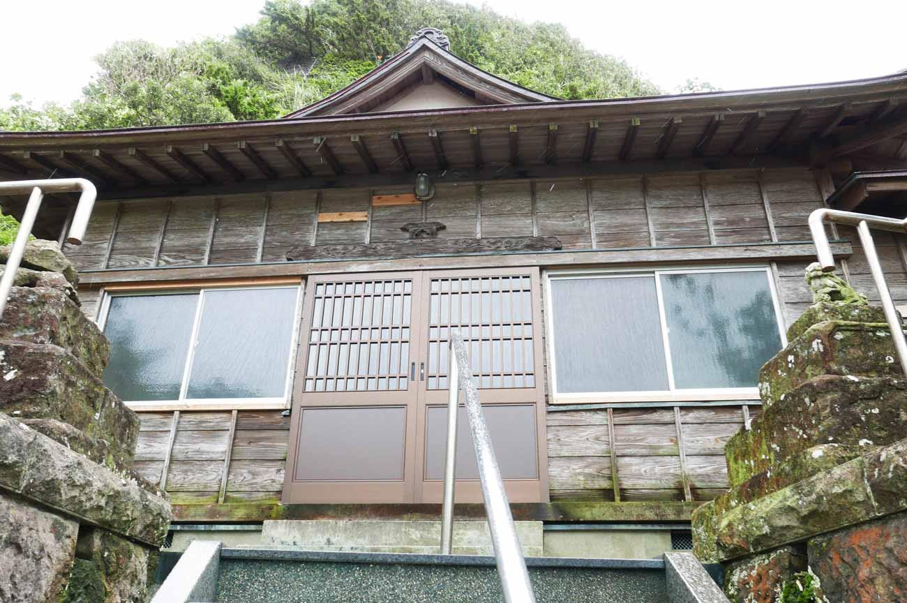浅間神社拝殿のアップ