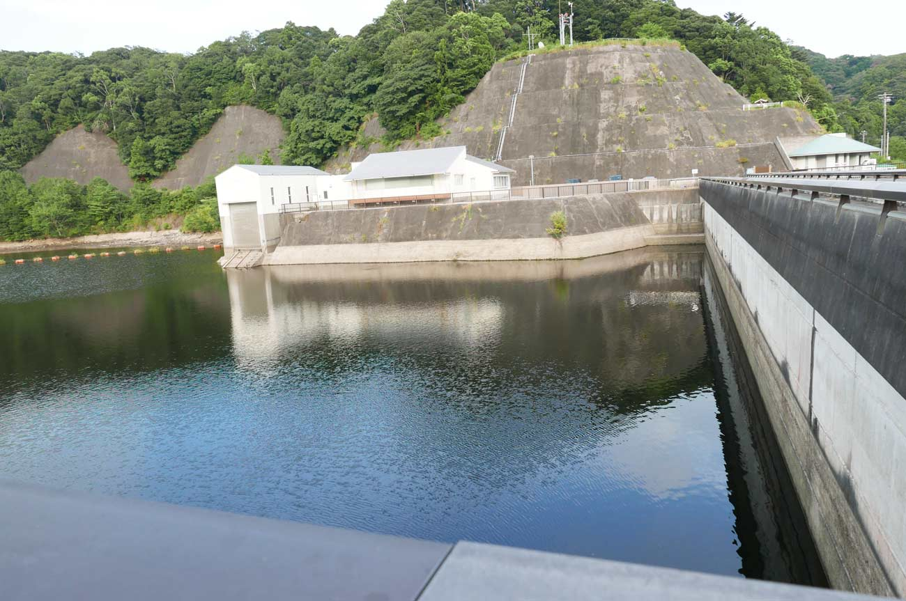 保台ダムの堰堤