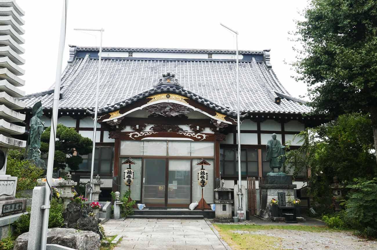 法性寺の本堂