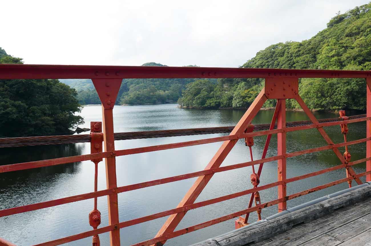 金山ダムの吊橋からの風景