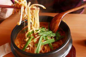 中国料理 鴨川食堂【人気の鴨川坦々麺】