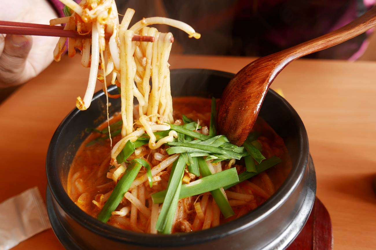 鴨川食堂の鴨川坦々麺
