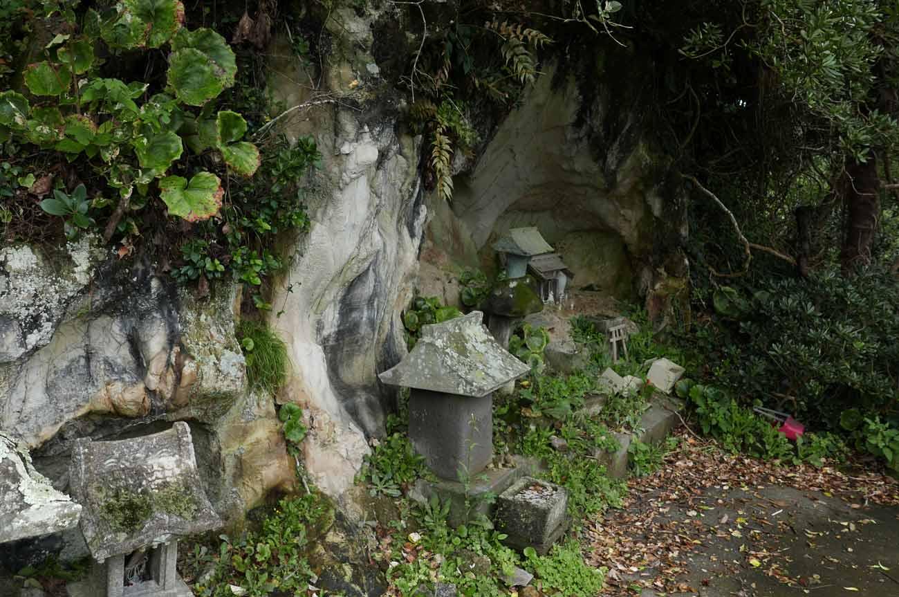 九頭竜神社の石宮3