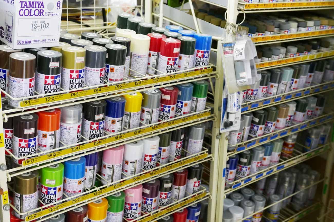 プラモデル用塗料のコーナー