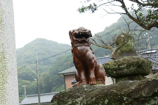 陶器の狛犬(右)