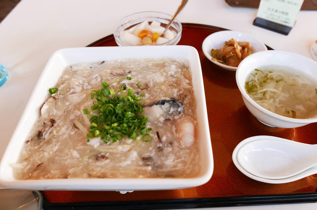中国料理東洋の海鮮あんかけチャーハン