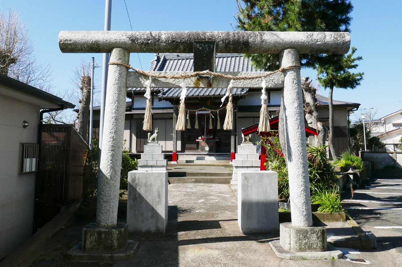 米倉稲荷神社の全景