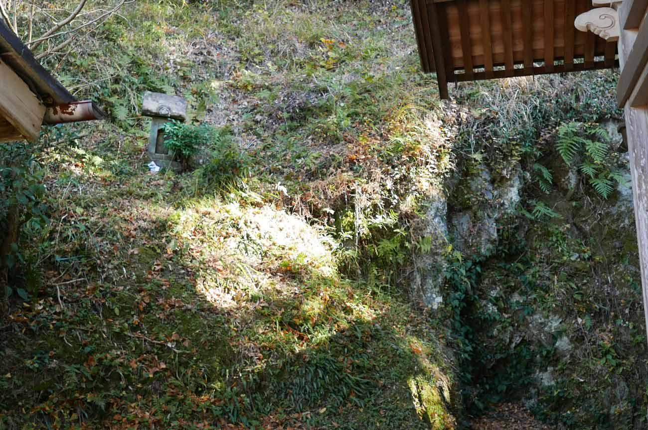境内の石宮