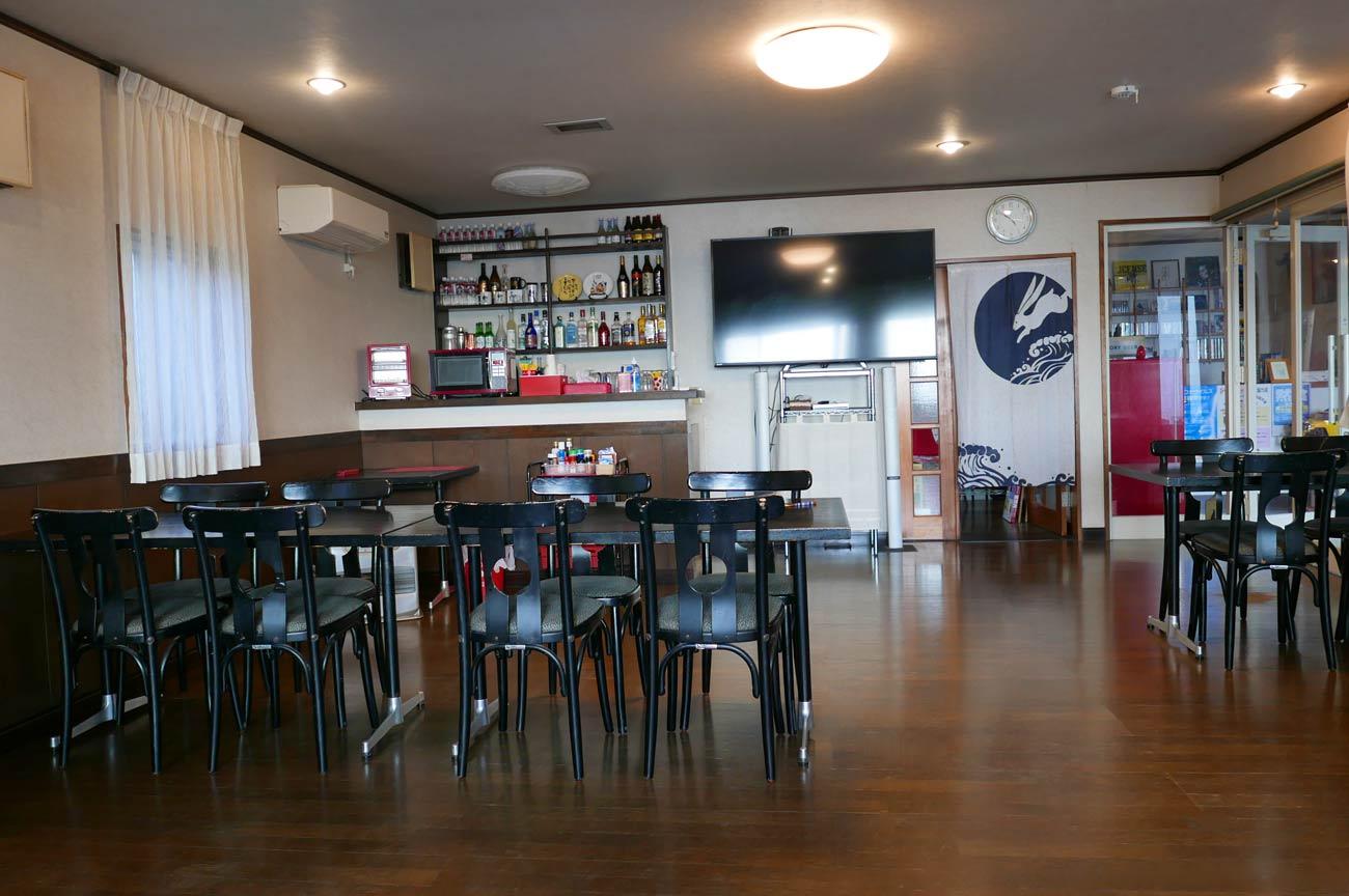 食堂兼居酒屋