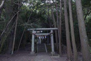 御嶽神社【森の奥の神社】
