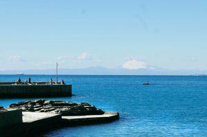 富浦旧港と富士山