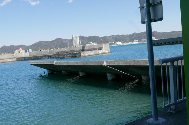 右堤防の仕切り内側