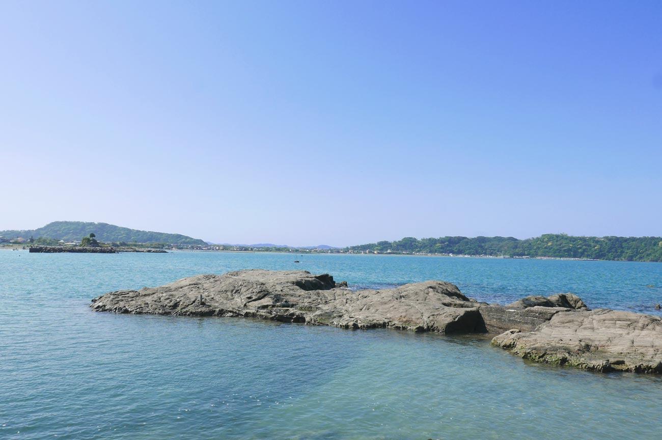 港横の釣り場(離れ)