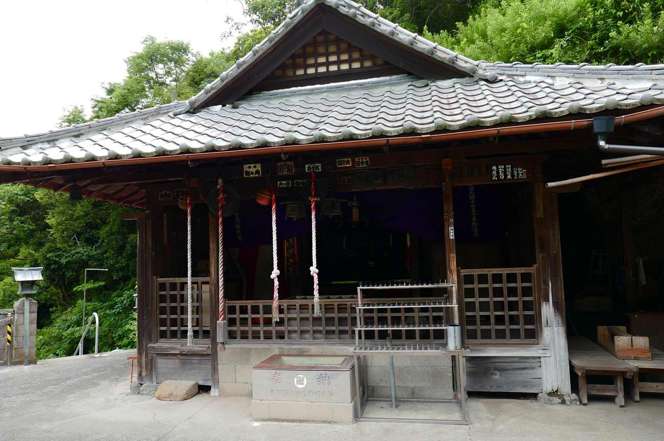 燈籠坂大師の拝殿