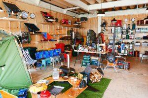 キャンプbの店内全景