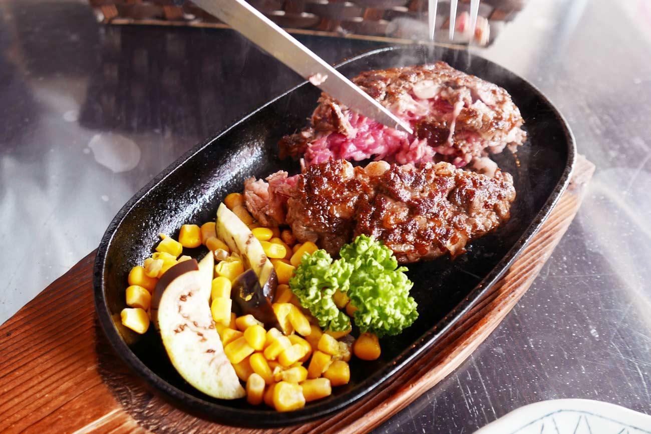 ランチのハンバーグステーキ