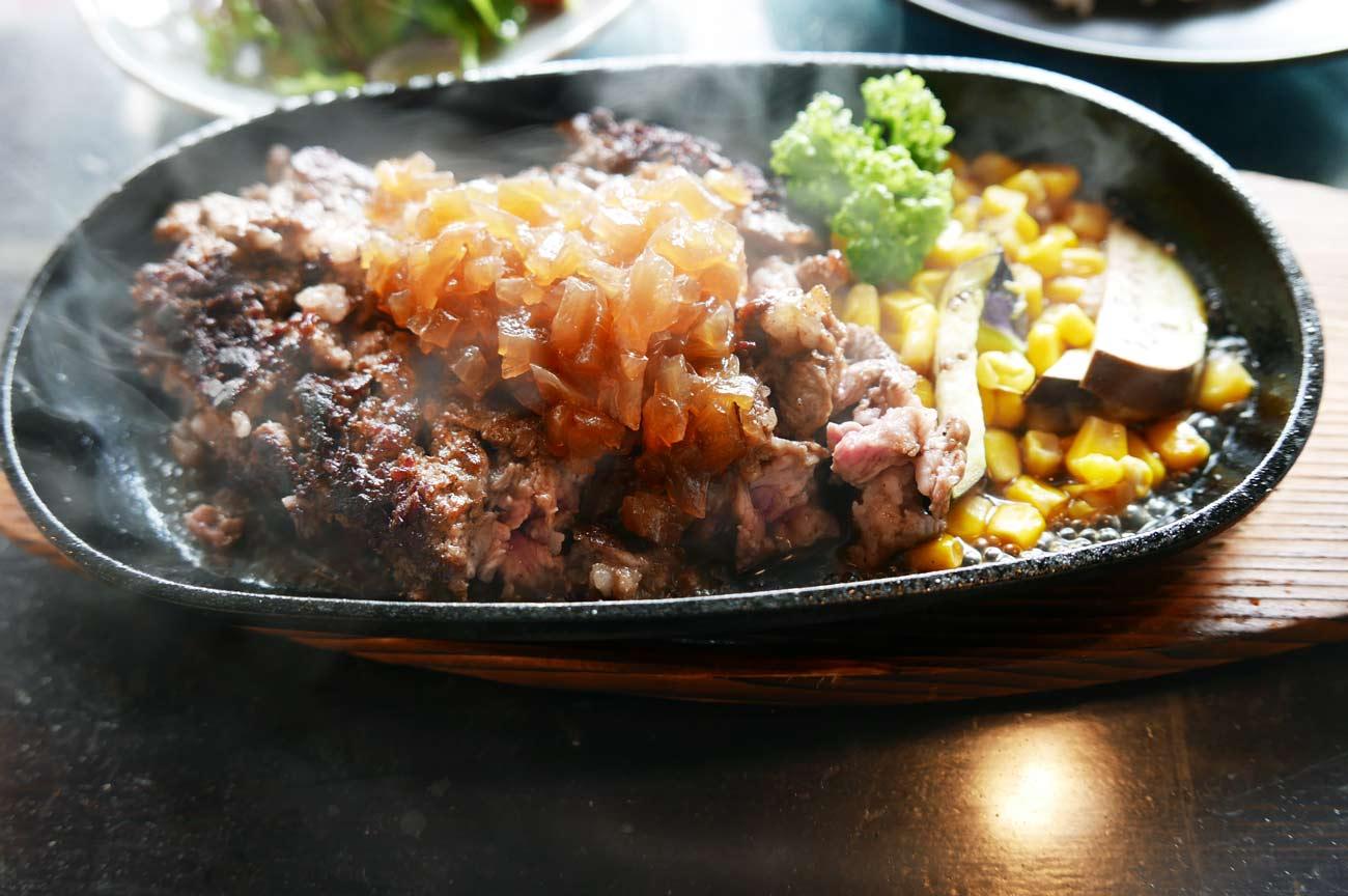ハンバーグステーキ(完成)