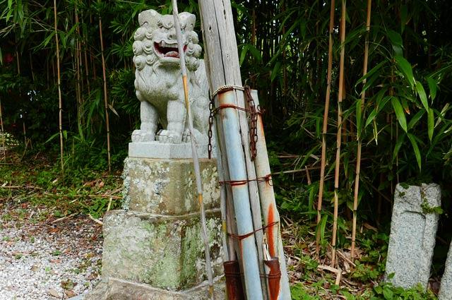 四社神社の狛犬(右)