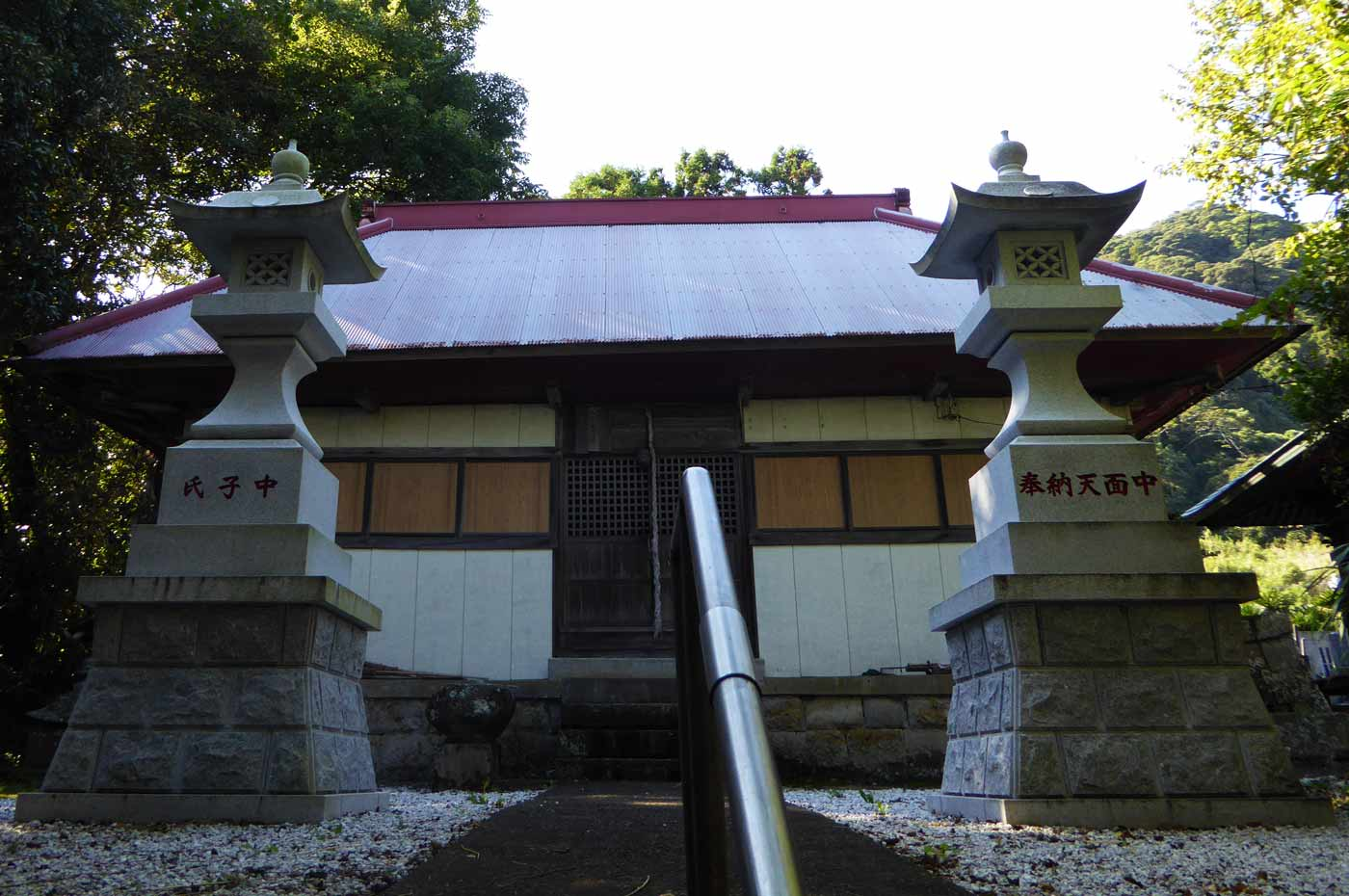 四社神社の拝殿