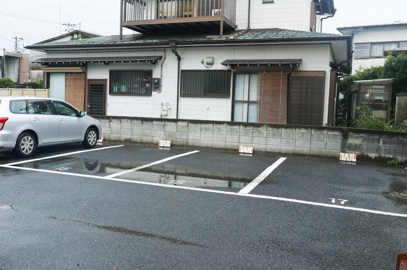 TAILの駐車場