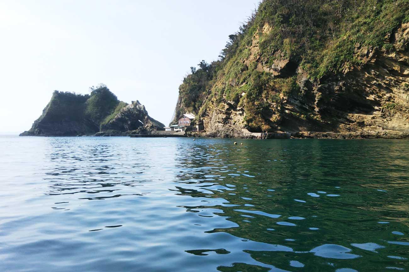 浮島とメガネ岩