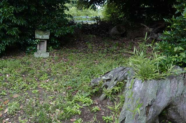 豊受神社の石宮