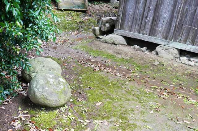 豊受神社の力石